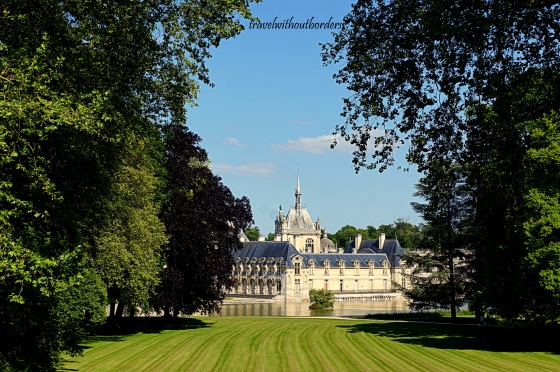 Chateau de Chantilly By The Garden!