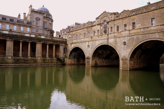 Pulteney Bridge Across Avon River
